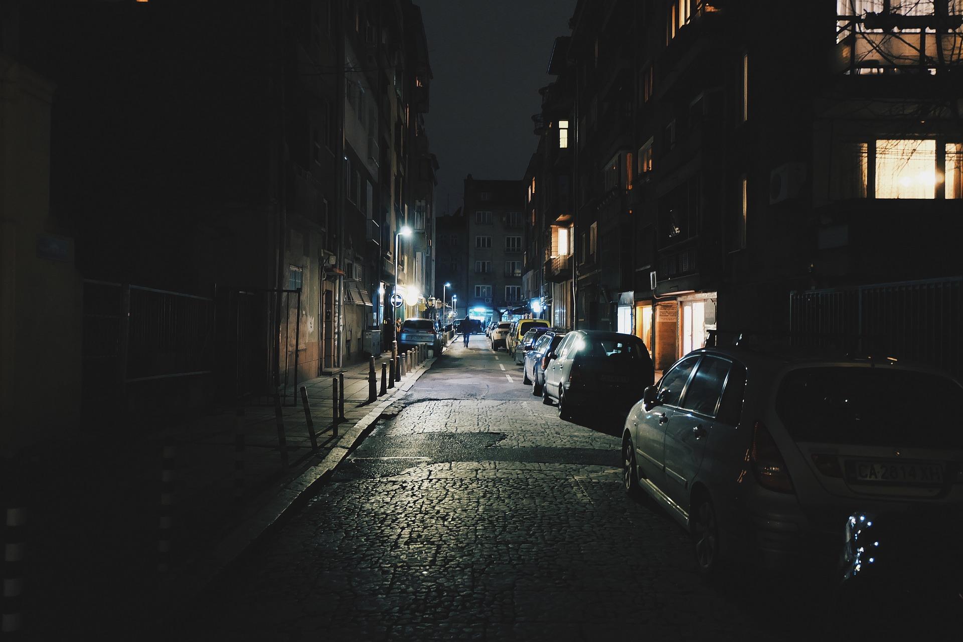 hotel-by-night3
